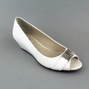 Alfani  Chorde Peep Toe Casual Sandals White